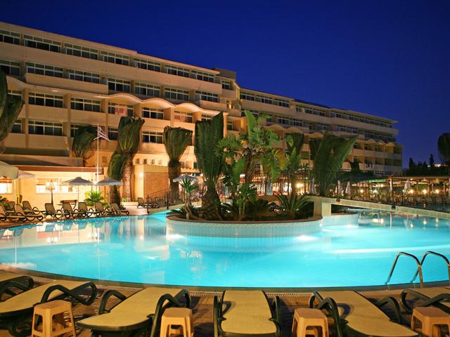 Atlantica Princess Hotel - Night Pool View