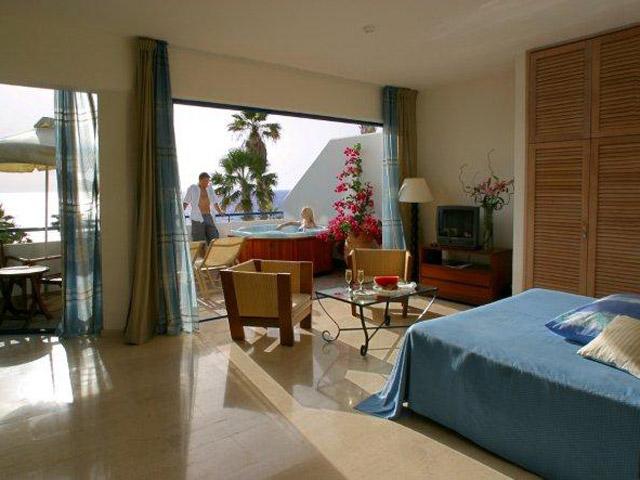 Azia Resort & Spa - Jacuzzi