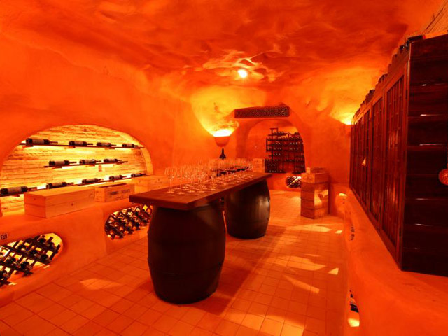 Royal Cliff Beach Hotel - Wine cellar