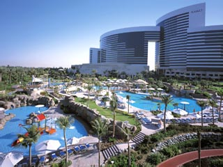 Grand Hyatt Dubai - Swimming Pool