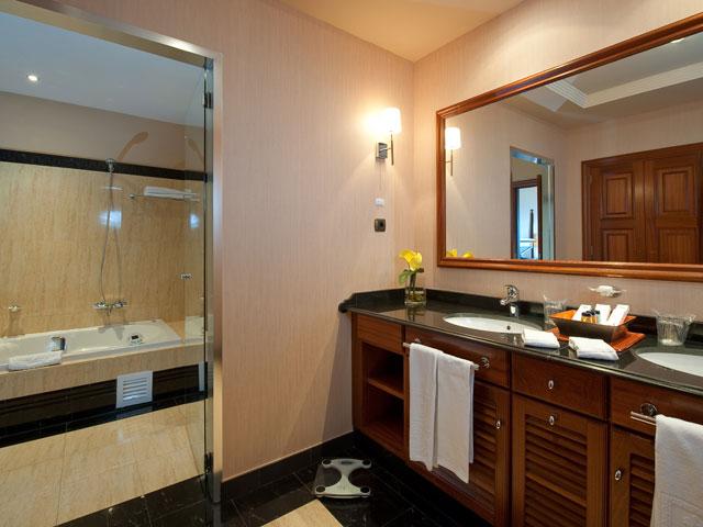 Gran Hotel Elba Estepona & Thalasso Spa - Bathroom