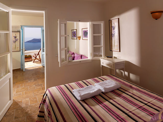 Tholos Resort - Apartment with Seperate Living Room