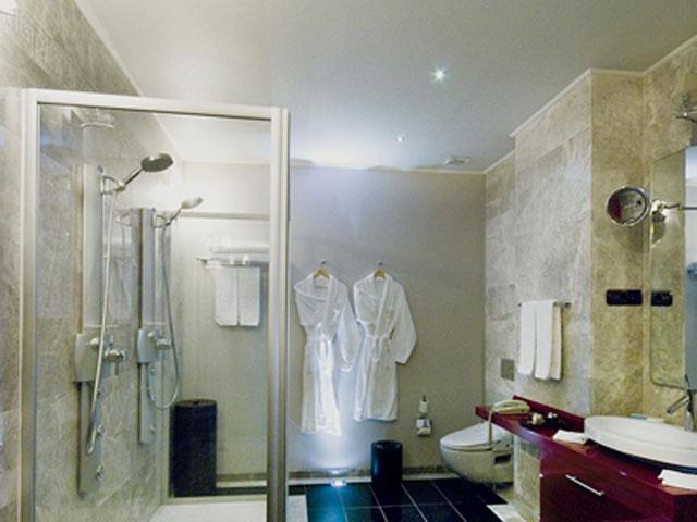 Cappadocia Cave Resort & Spa - Deluxe Room Bathroom