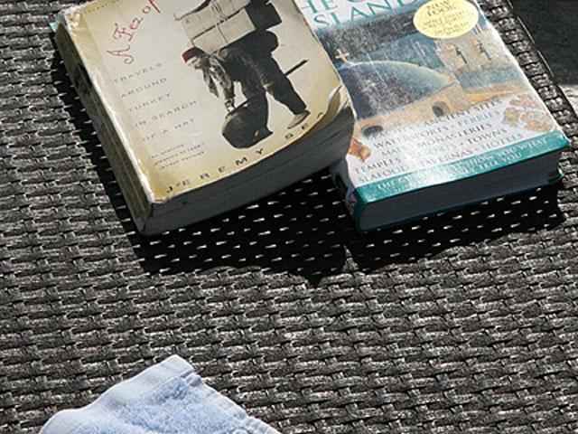 Argo Hotel - Books