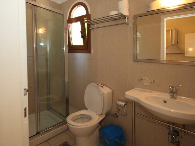 Bella Vista Hotel & Apartments - Bathroom