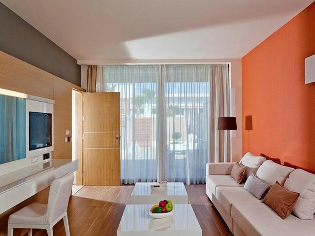 Avra Imperial Beach Resort & Spa -