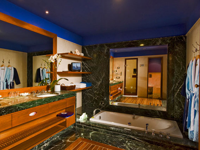 Elounda Beach Premium & Sports Club - Elounda Beach - Premium & Sports - Club  Bathroom