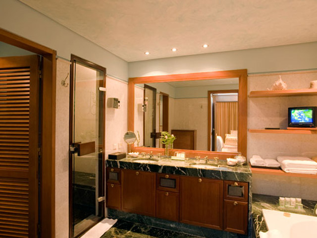 Elounda Beach Exclusive  & Platinum Club - Elounda Beach Exclusive Club  Grand Suites Bathroom